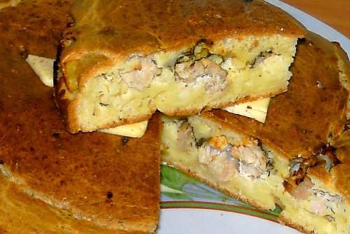 Кусочки заливного пирога с курицей