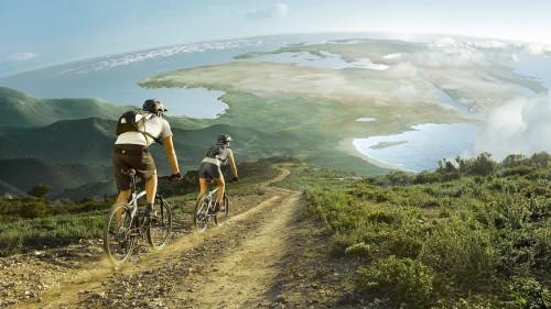 Велосипедная прогулка по красивой местности