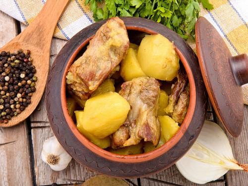 Мясо с картошкой в гаршочке