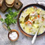 Как приготовить рассольник с солеными огурцами и перловкой: 5 лучших способов