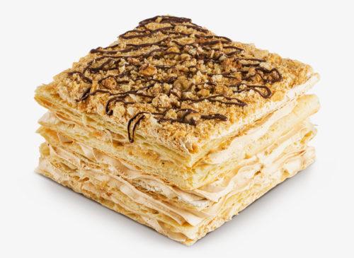 Кусок слоённого торта Наполеон